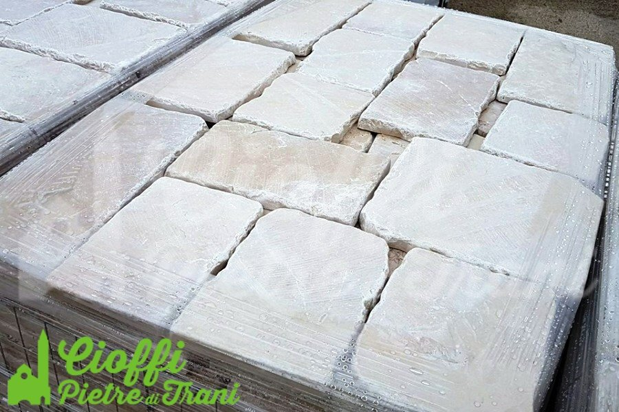 Pavimento In Pietra Di Trani : Marmette anticate in marmo di trani pezzatura mista sp. cm. 2