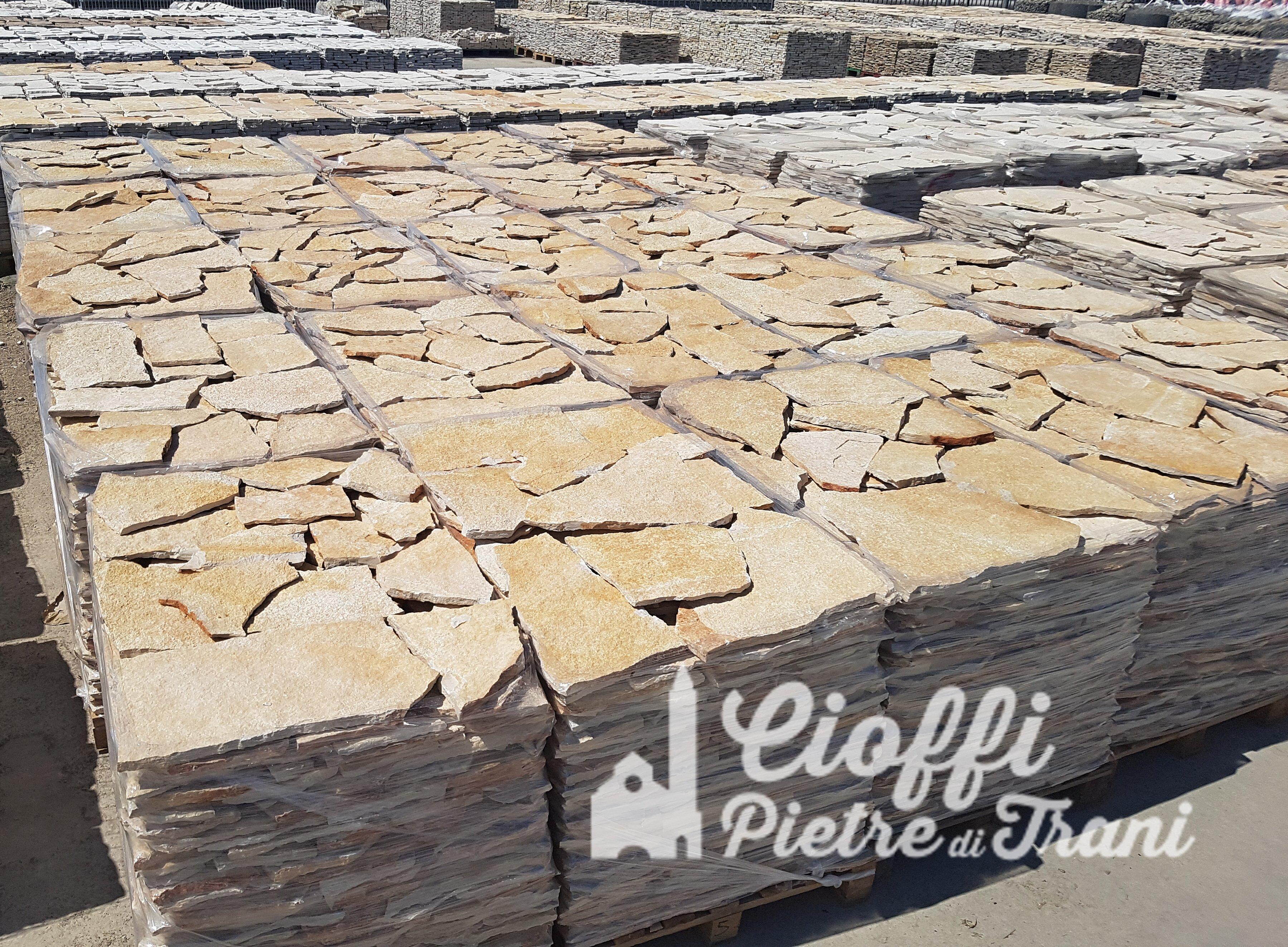 Pavimento In Pietra Di Trani : Scorza in pietra di trani classica da rivestimento cioffi