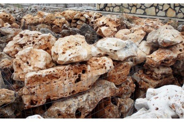 Rocce da giardino della murgia cioffi pietre di trani for Pietre da giardino