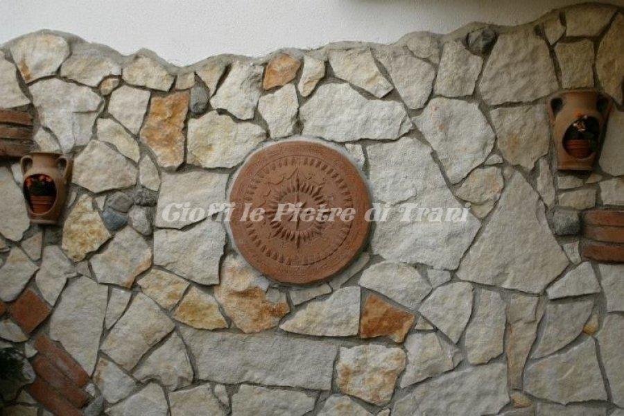Scorza in pietra di trani retrosegata sp cm 1 3 cioffi for Zoccolo esterno casa in pietra